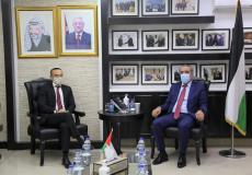 الشيخ يبحث مع القنصل الإيطالي العام آخر المستجدات السياسية