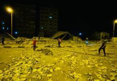 قصف مقر البنك الوطني الإسلامي وسط قطاع غزة