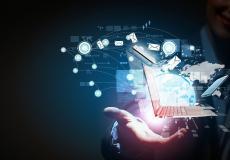 مختص تكنولوجيا معلومات