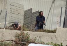 مستوطنون يطلقون النار المباشر على الفلسطينيين في قرية عوريف/نابلس