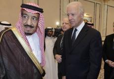 جو بايدن(يمين) مع الملك السعودي الملك سلمان (يسار)