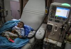 طفل مريض بالكلى في مستشفى الرنتيسي