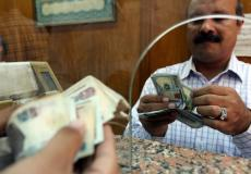 اسعار العملات في البنوك المصرية والسوق السوداء