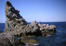 انقاذ رجل علق بين الصخور على شواطئ حيفا - توضيحية