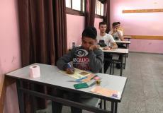 طلاب يؤدون امتحانات الثانوية العامة في غزة - توجيهي