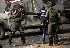 الاحتلال يعتدي على صحفي فلسطيني - أرشيف