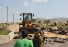 الاحتلال يُصادر معدات وآليات عمل جنوب نابلس