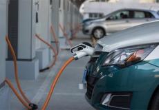 انتشار محطات الشحن السريع للسيارات الكهربائية في الضفة الغربية