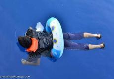 سياح ينقذون مهاجراً يحاول الوصول إلى اليونان  عبر البحر