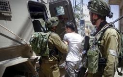 قوات الاحتلال تعتقل مواطنين وتحتجز أبنائهما في جنين