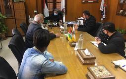 رئيس بلدية غزة يستقبل وفد من باعة حي الرمال