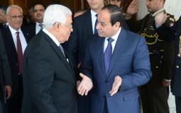 الرئيس عباس مع نظيره المصري عبد الفتاح السيسي