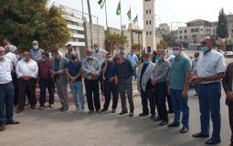 وقفة تضامنية مع محافظ القدس أمام مقر محافظة طولكرم.jpg