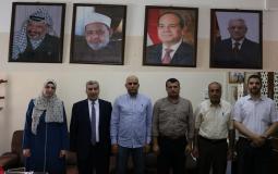 الجالية المصرية تهدي المعاهد الأزهرية في فلسطين هدية رمزية