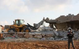 قوات الاحتلال تهدم 3 منازل شمال أريحا وتشرّد ساكنيها