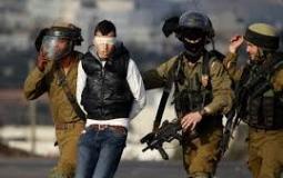 قوات الاحتلال تعتقل شابا فلسطينيا