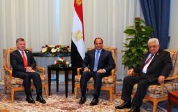 الرئيس محمود عباس مع نظيره عبد الفتاح السيسي والملك عبدالله - ارشيفية