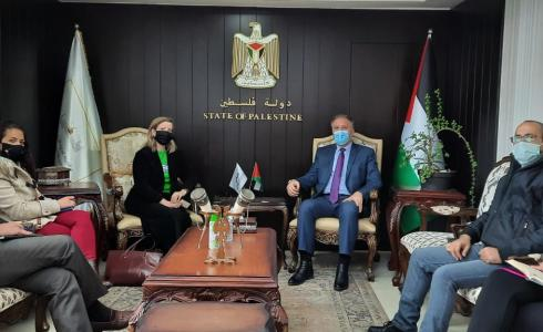 لقاء الوزير أحمد عساف بممثلة كندا