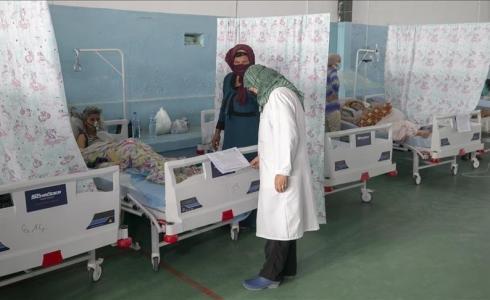 مدير مستشفى في تونس يبكي خوفا على حياة مصابي كورونا بعد قرب نفاد الاكسجين