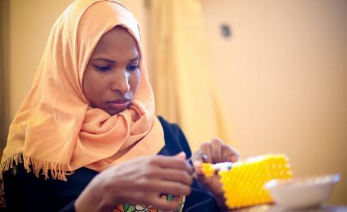 شباب من غزة يقهرون إعاقاتهم بمشاريع ريادية