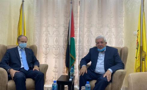 نائب رئيس حركة فتح محمود العالول يلتقى القنصل الفرنسي