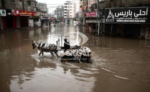 الامطار تغرق شوارع مخيم جباليا شمال قطاع غزة