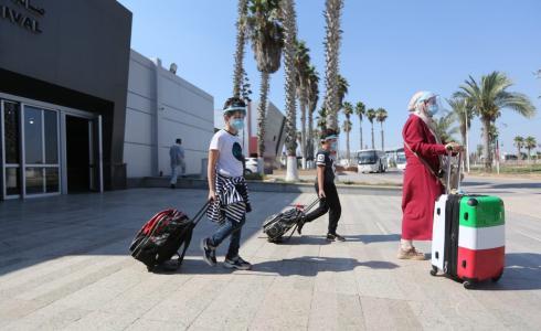 مسافرون عبر معبر رفح - ارشيف