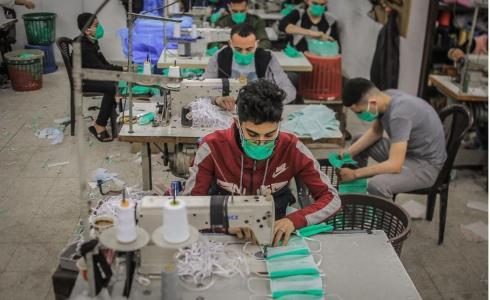 غزة تصدّر الكمامات للعالم