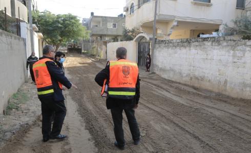 بلدية غزة تعالج آثار المنخفض الجوي في مناطق غزة