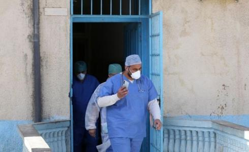 الصحة تحذّر: أحد مصابي كورونا في الخليل كسر الحجر المنزلي - توضيحية