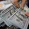 الدولار مستمر في انخفاضه أمام الشيكل