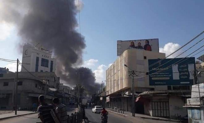 شاهد: لحظة انفجار منزل في سوق الزاوية بغزة   وكالة سوا الإخبارية