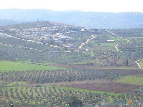 مكتب تسوية الأراضي بقرية بلعين