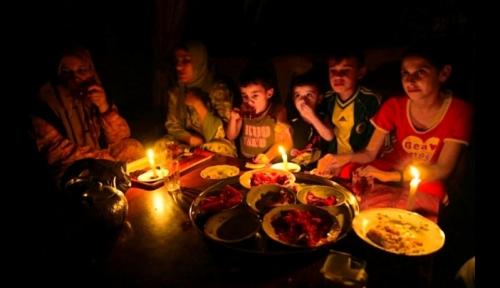 هآرتس: تدخل قطر وتركيا بأزمة كهرباء غزة يؤجل الكارثة