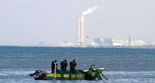 صيادون في عرض بحر غزة