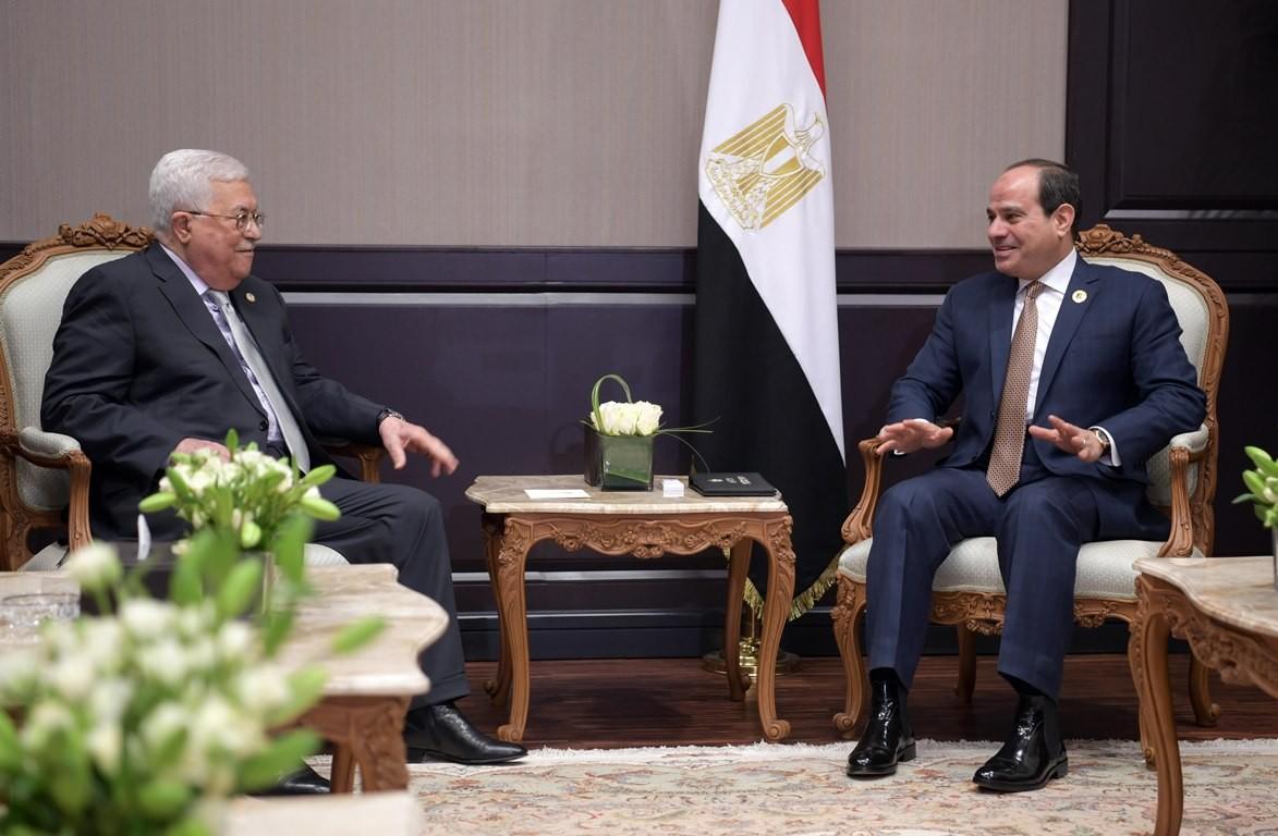 الرئيس الفلسطيني محمود عباس والرئيس المصري عبد الفتاح السيسي.jpg