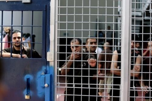 اخر الاخبار - قراقع: استشهاد الأسير حمدونة بعد تعرضه لسكتة دماغية